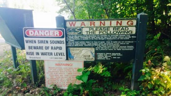 Lake Luzerne, NY: Read Before White Water Tubing