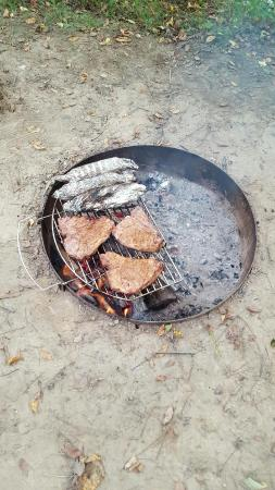 Tunnel Trail Campground : dinner on the fire