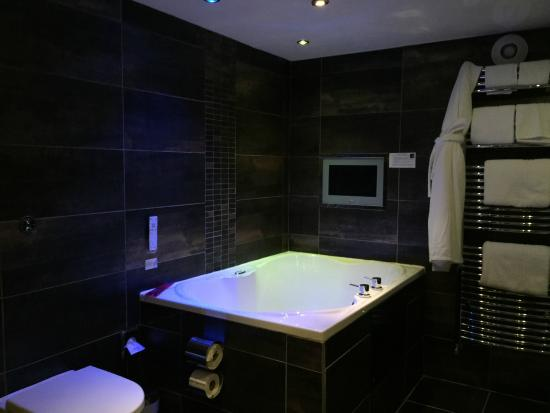 The Howbeck : Spa bath