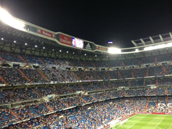 La tribuna picture of stadio santiago bernabeu madrid for Estadio bernabeu puerta 0