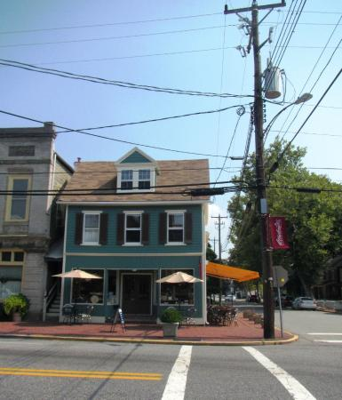 Chestertown, MD: beautifully renovated old building