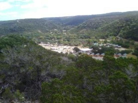 Medina Highpoint Resort: View of campground from scenic overlook