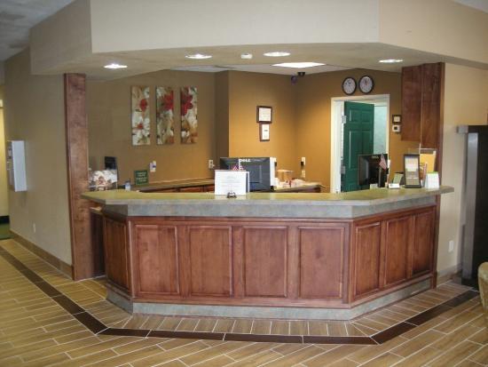 Red Roof Inn & Suites Ferdinand: Lobby