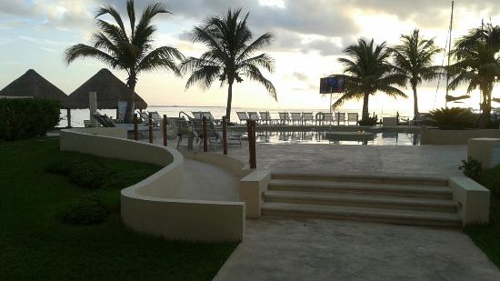 Cancun Bay Resort: Not expensive