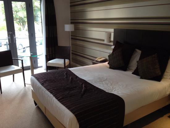 Lanes Hotel: One of the modern rooms
