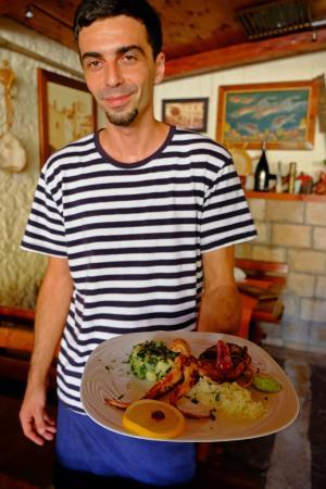 Konoba Kantula: Beko the waiter, destined for Hollywood
