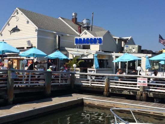 Bracco's Clam & Oyster Bar: photo0.jpg