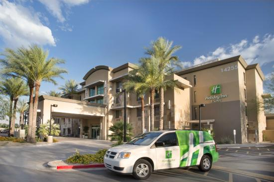 Holiday Inn & Suites Scottsdale North - Airpark: Complimentary guest shuttle from 6am-10pm