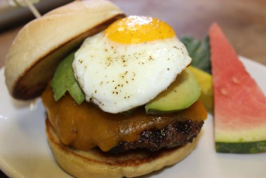 Finland, MN: Sawtooth Burger, Cheddar Avocado & Egg