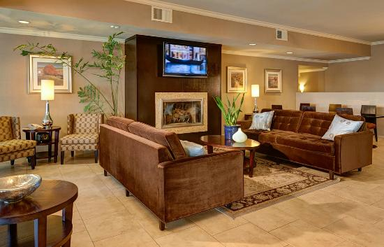 Holiday Inn Express Encinitas - Cardiff Beach Area : Hotel Lobby