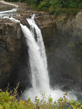 The Attic at Salish Lodge & Spa: The falls at Snoqualmie