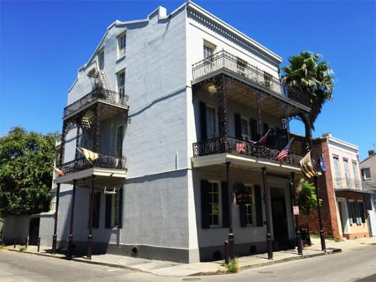 Lafitte Guest House: View from Bourbon and St. Philip