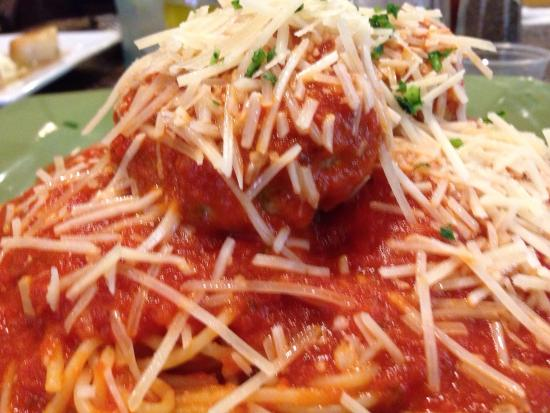 Lazzaro's Italian Bistro: Tasty work of Art!