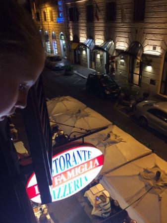 Residenza Giustiniani: Restaurant below room