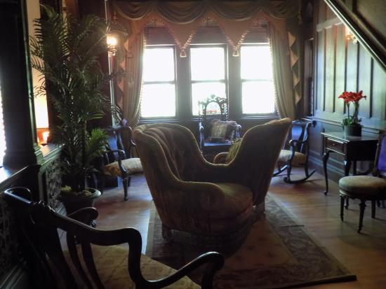 Ventfort Hall Mansion and Gilded Age Museum: Sitting area above grand staircase