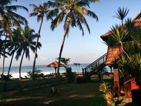 Blue Water Beach Resort: A view from the verandah, overlooking their seaside restaurant