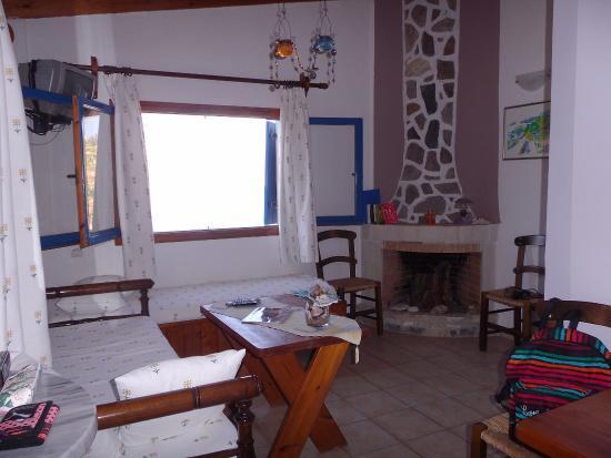 Patras' Apartments: Salon - espace jour avec vue sur le port