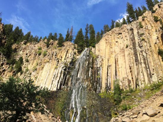 Fox Hollow Bed and Breakfast at Baxter Creek: Palisade Falls (short drive from Fox Hollow)