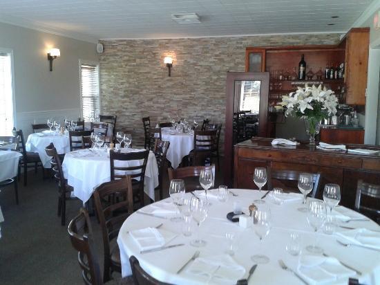Salle manger photo de l 39 expresso restaurant magog for Restaurant salle a manger