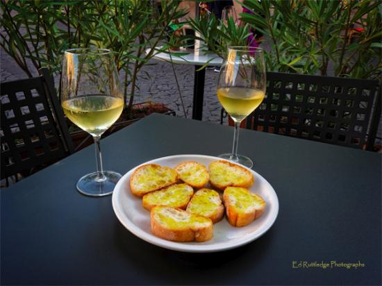 Cantina Foresi: local white wine