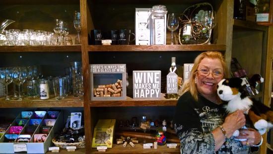 Bowers Harbor Vineyards: shop items