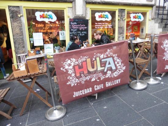 Hula Juice Bar and Gallery: Hula!!!