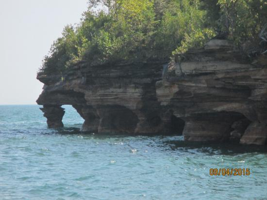Apostle Islands Cruise Service