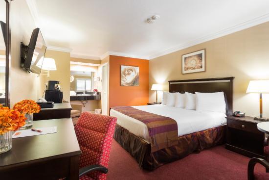 Fontaine Inn Downtown-Fairgrounds: Cal. King Bedroom II
