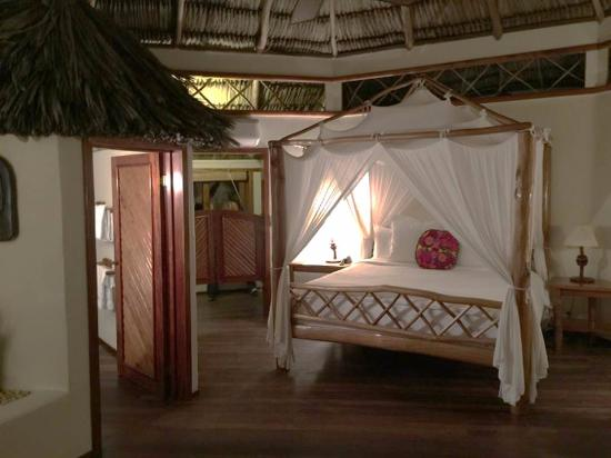 Kanantik Reef & Jungle Resort: Inside view of cabana