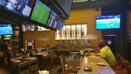 Buffalo Wild WIngs Grill and Bar #0347