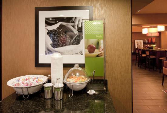 Hampton Inn Memphis Southaven : Breakfast Selection