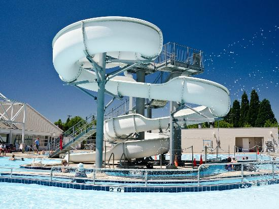 Osborn Aquatic Center