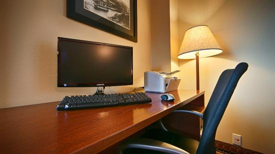 Best Western Plus Columbia River Inn: Business Center