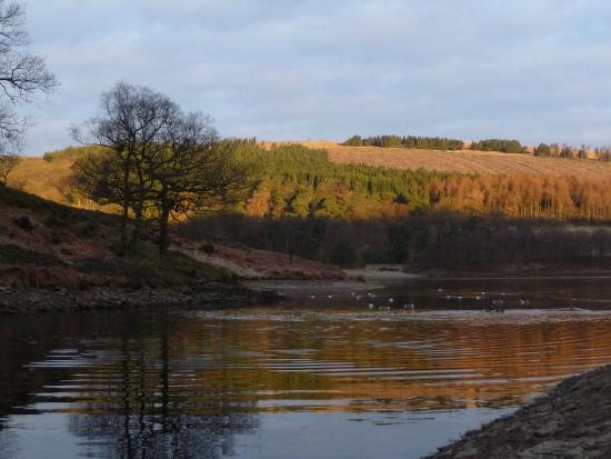 Goyt Valley: Early sun rise over the moors at Errwood Reservior