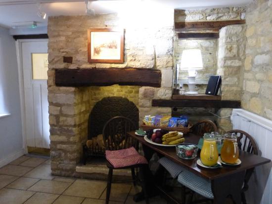 The Blenheim Buttery: Cozy breakfast area