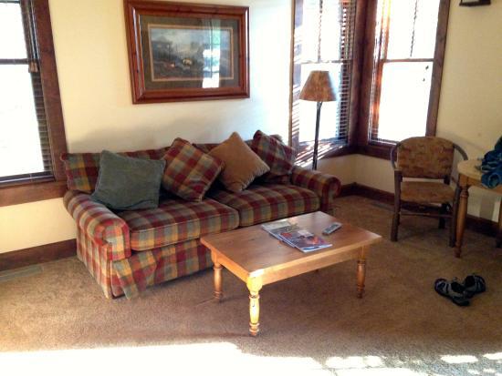 Grand View Lodge: living room