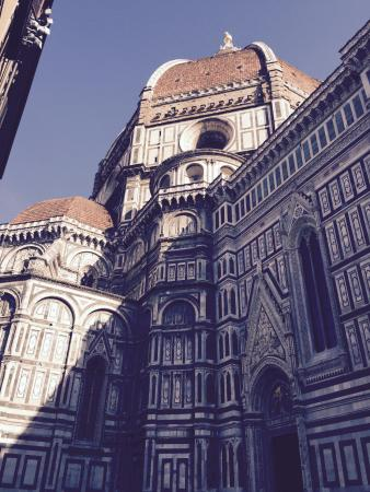 Hotel Duomo Firenze: This is the view from the hotel entrance.  Magnificent!