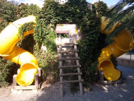 Camping le Front de Mer: Temple avec tobogan espace enfant