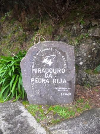 Santa Maria, Portugal: The name written on a rock