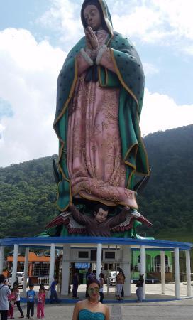 Monumental Vírgen de Guadalupe