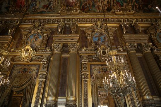 Foyer Grand Ouest Beaurepaire : Grand foyer salon octog ouest cariatides de bronze doré