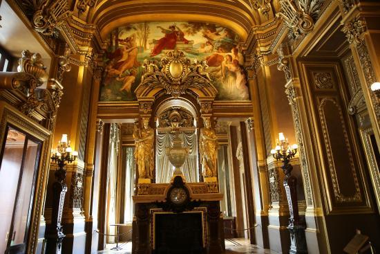 Foyer Grand Ouest Beaurepaire : L avant foyer à dr aurore et céphale par paul alfred