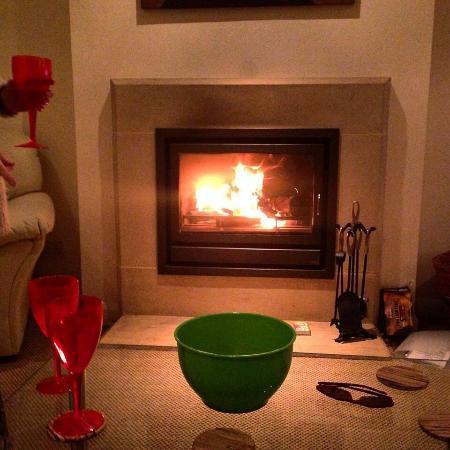 Hemyock, UK: Nothing like a log fire