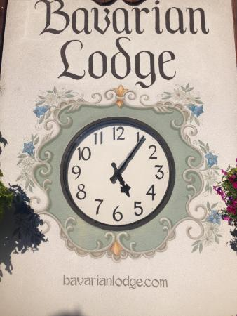 Bavarian Lodge: Clock in Front of Hotel