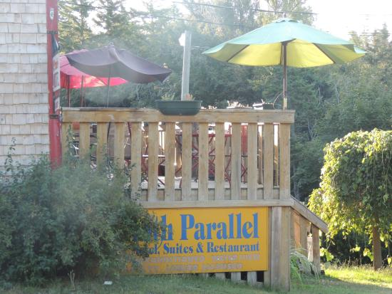 45th Parallel Motel and Restaurant: La terrasse