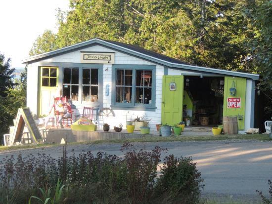 Deer Island, Kanada: La boutique voisine