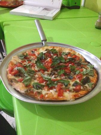 Giardino pizza y pasta jard n fotos n mero de tel fono for Pizza jardin precios