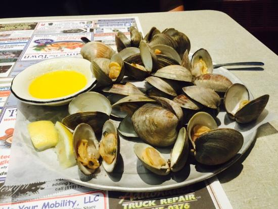 Talk of The Town Restaurant : Steamed Clams