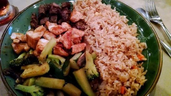 Hana Teppanyaki House : The felit and chicken with  fried rice and mixed vegetables sesame noodles and !the delicious ho