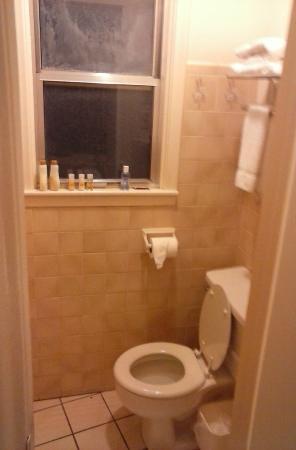 Motel 6 Watsonville - Monterey Area: Bath